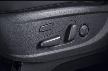 驾驶席座椅电动14向调节